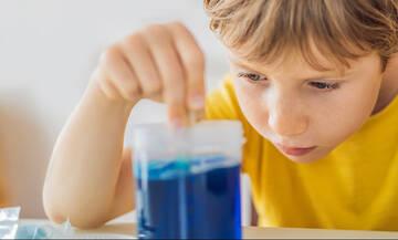 Πειράματα με παγάκια που θα ενθουσιάσουν τα παιδιά (βίντεο)