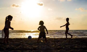 Oι τέσσερις πιο δύσκολες στιγμές στις διακοπές με τα παιδιά