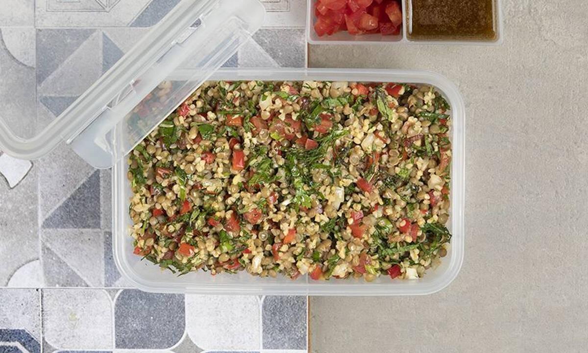 Σαλάτα με φακές, πλιγούρι και λαχανικά - Απολαύστε την και ως κυρίως γεύμα