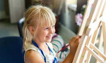 Ζωγραφική για παιδιά: Το έξυπνο τρικ για να φτιάξετε εντυπωσιακά λουλούδια