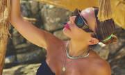 Κέλλυ Κελεκίδου: Η κόρη της χτίζει κάστρα στην άμμο - Δείτε φώτο