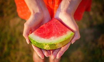 Tips για μαμάδες: Φροντίστε την επιδερμίδα σας με καρπούζι