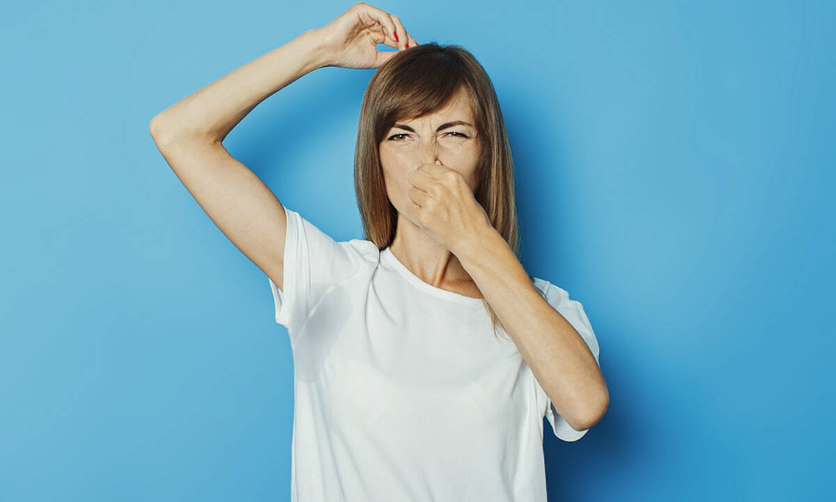 Ιδρώτας που μυρίζει άσχημα; Οι βασικές αιτίες (εικόνες)