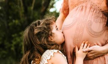 Πότε τα μωρά αρχίζουν να κλαίνε στη μήτρα;