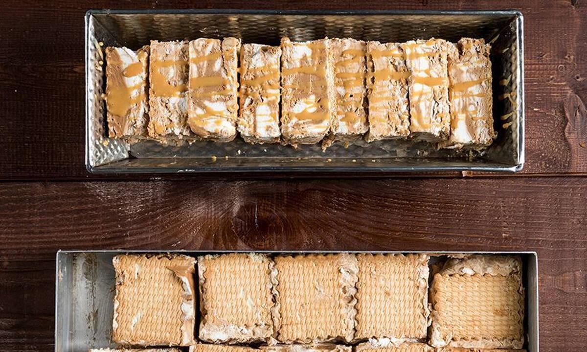 Σπιτικό παγωτό σάντουιτςμεκαραμέλα - σοκολάτα για μικρούς και μεγάλους