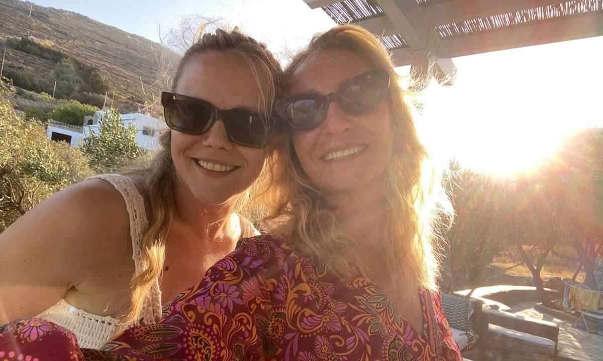 Ρέβη - Αβασκαντήρα: Οι δύο μαμάδες συναντήθηκαν στην Τήνο - Δείτε φώτο