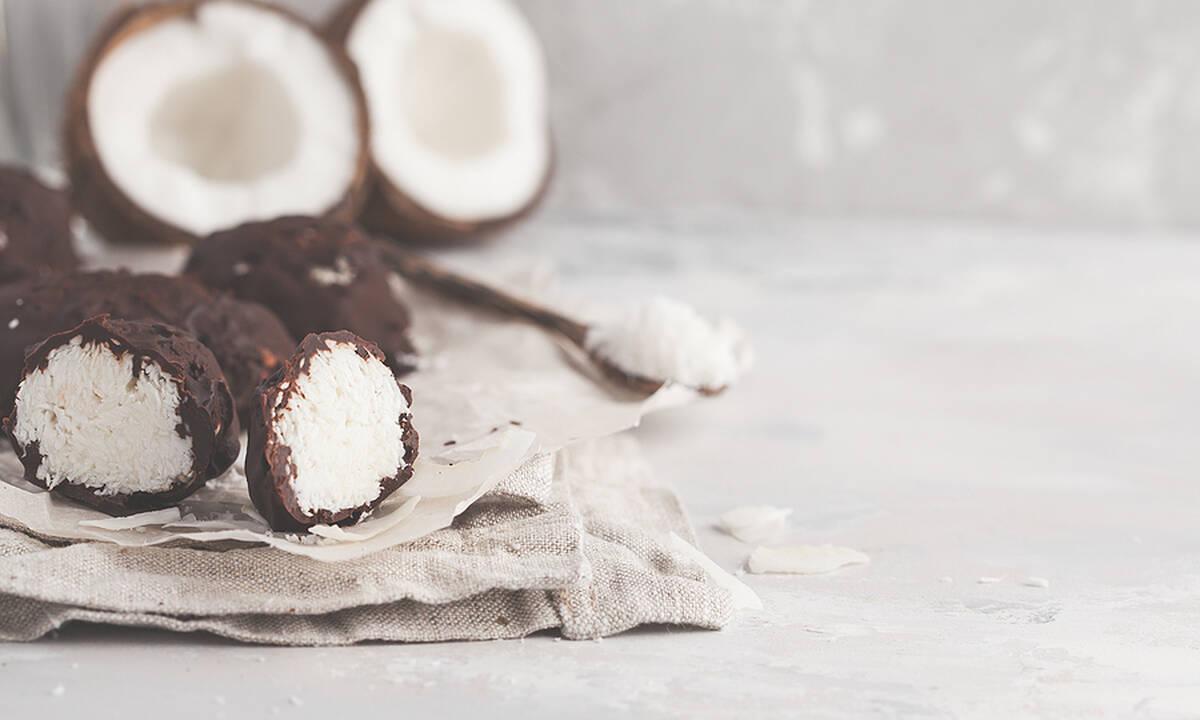 Το γλυκό που μπορείτε να φτιάξετε με τριμμένη καρύδα και ζαχαρούχο γάλα