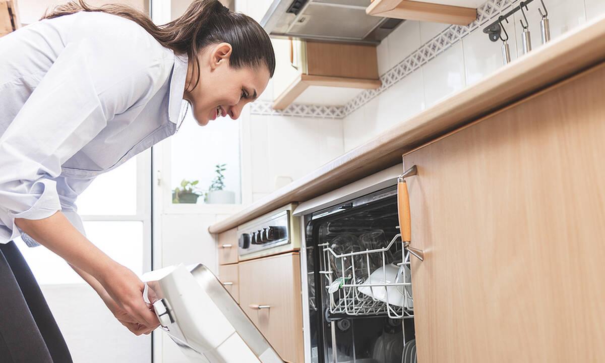 Tips για μαμάδες: 15 πράγματα που μπορείτε να πλύνετε στο πλυντήριο πιάτων