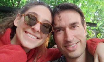 Φωτεινή Αθερίδου: Δείτε πώς φωτογράφισε τον σύντροφό της στην πισίνα