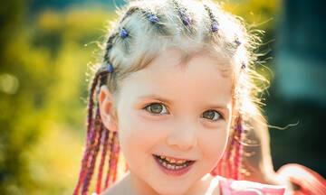 Το καλοκαιρινό trend στα παιδικά κοριτσίστικα χτενίσματα (βίντεο)