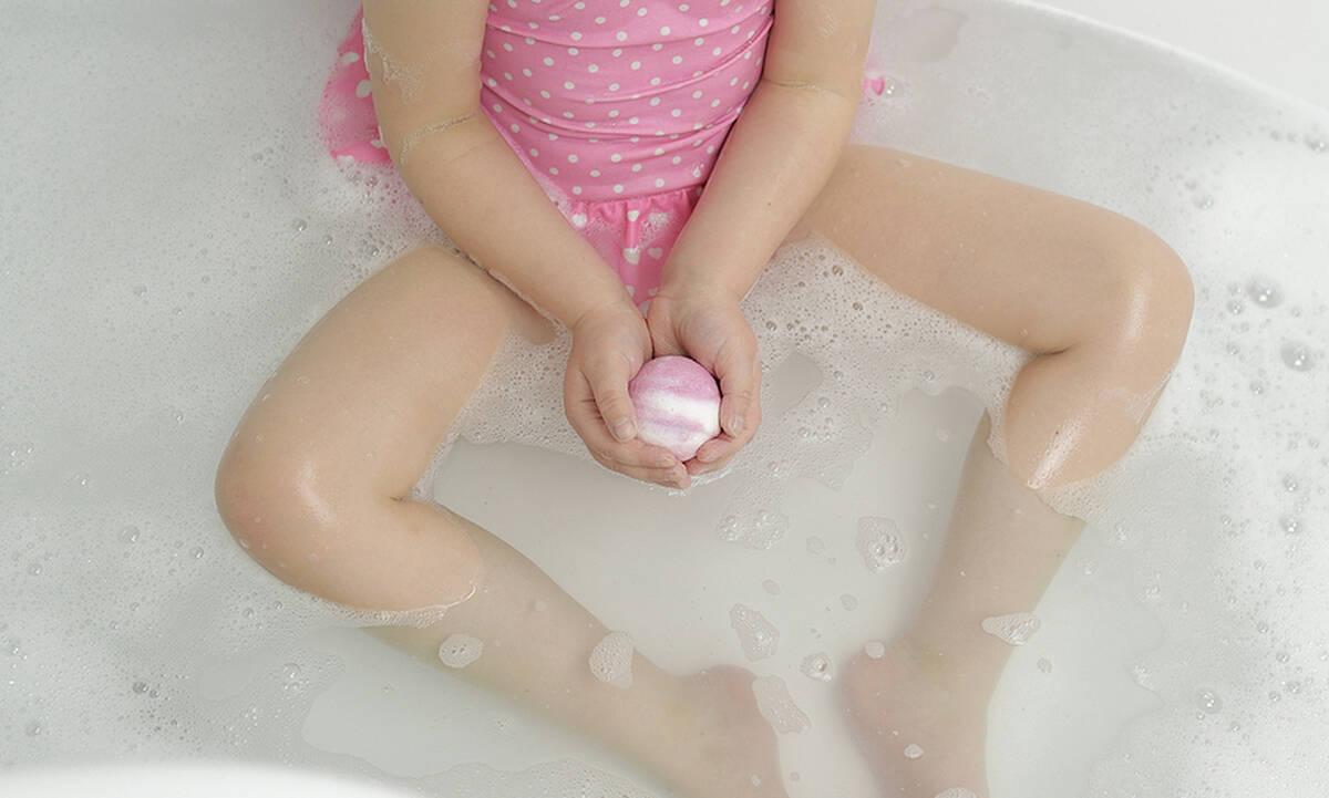 DIY bath bombs για τα παιδιά σας (βίντεο)