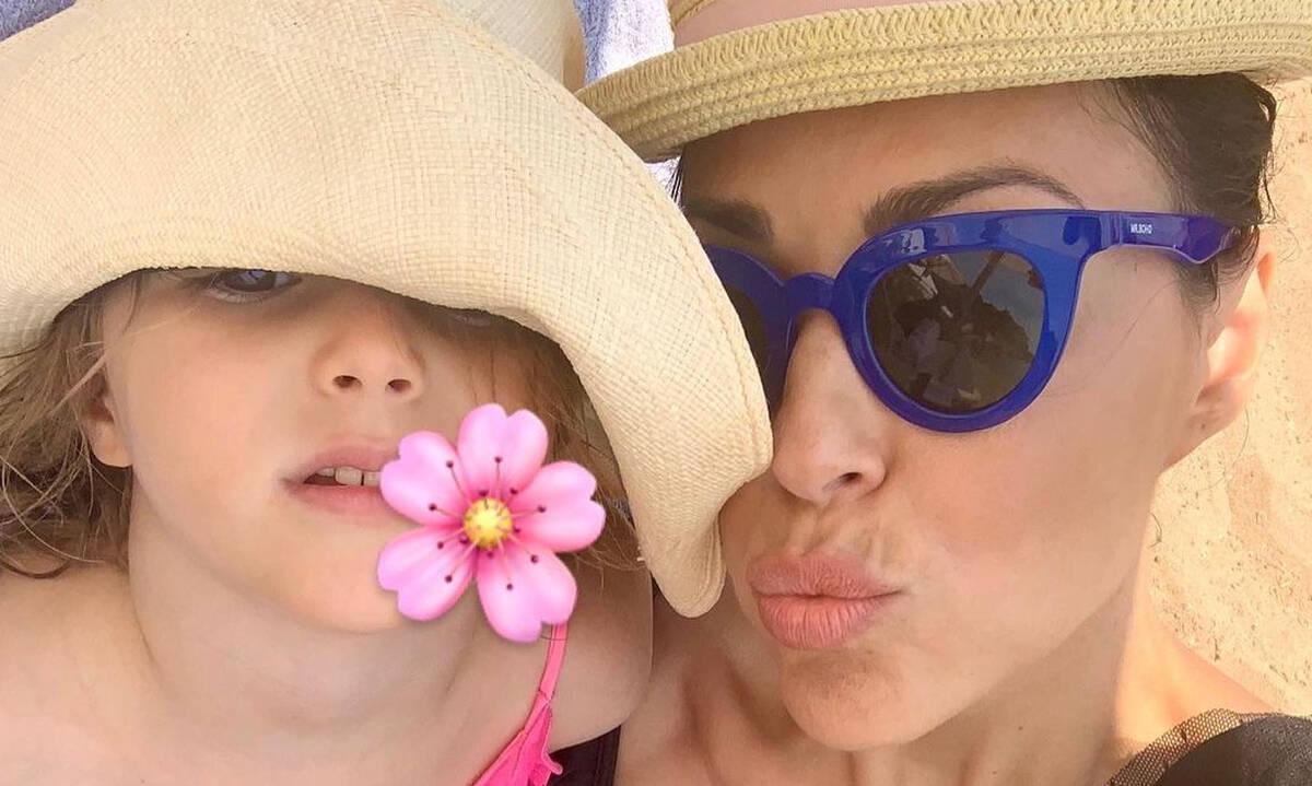 Σίσσυ Φειδά: Μαμά και κόρη έχουν αδυναμία στα ολόσωμα μαγιό