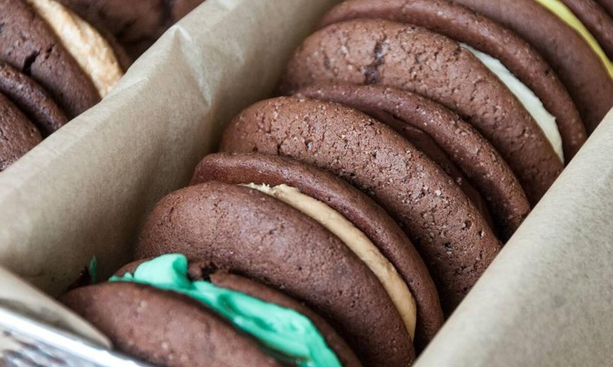 Μαλακά μπισκότα με γέμιση - Φτιάξτε και εσείς αυτά τα λαχταριστά Whoopie Pies