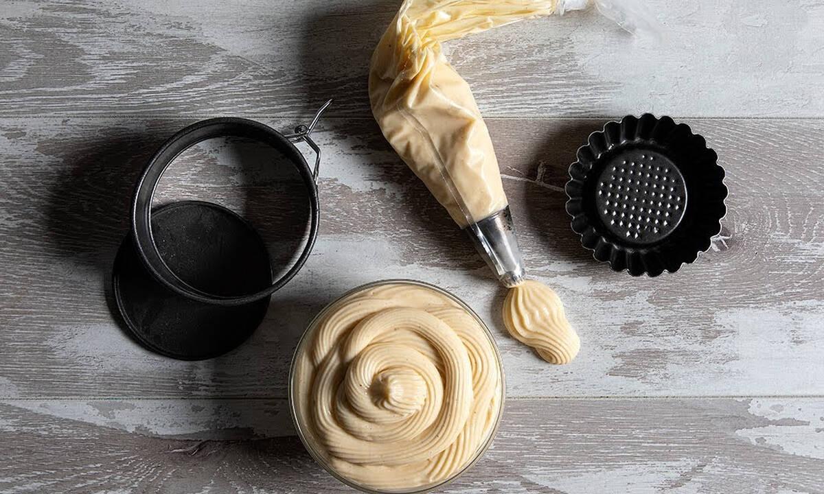 Η συνταγή του Άκη για λαχταριστή κρέμα πατισερί
