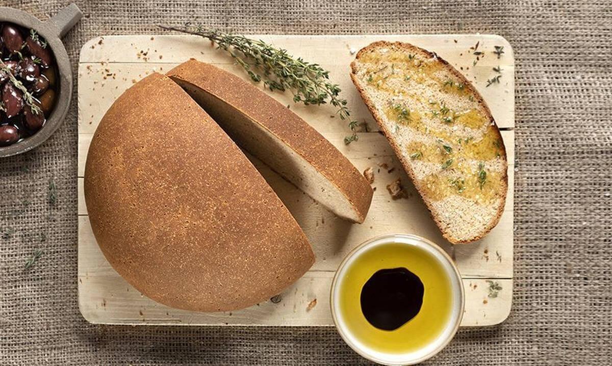 Σπιτικό ψωμί με αλεύρι ζέας - Δείτε πώς θα το φτιάξετε