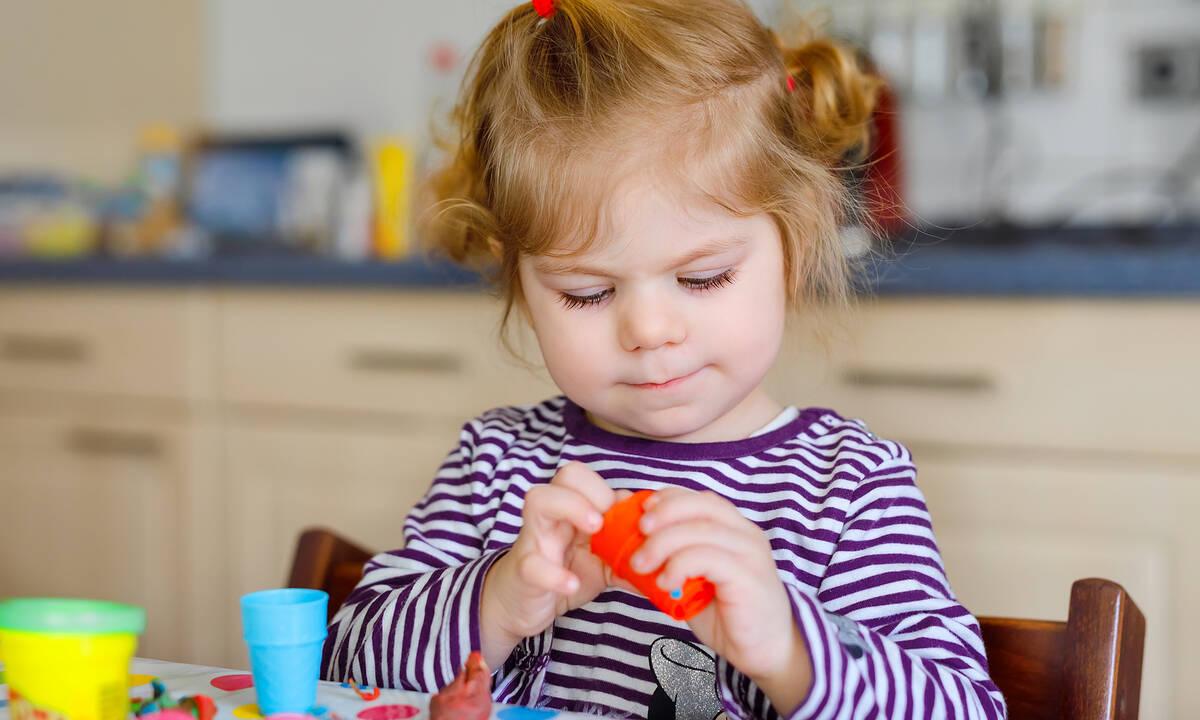 Πώς μπορείτε να βοηθήσετε το παιδί να αναπτύξει τις γλωσσικές δεξιότητές του;