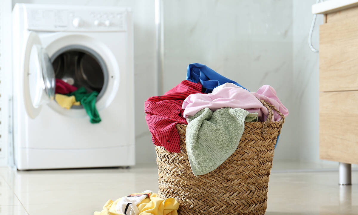 Μαγειρική σόδα: Πώς μπορείτε να τη χρησιμοποιήσετε στη φροντίδα των ρούχων;