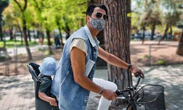 Δήμος Αναστασιάδης: Με τον γιο του στο χωριό - Δείτε φωτογραφίες