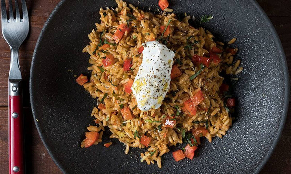 Κρεμμυδόρυζο με καστανό ρύζι - Μια διαφορετική κι εύκολη συνταγή