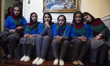 """Οι """"Αφγανές Ονειροπόλες"""" της ρομποτικής τα κατάφεραν"""