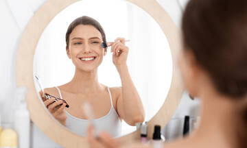 Tips για μαμάδες: Φτιάξτε μόνες σας υγρό make up με φυσικά υλικά