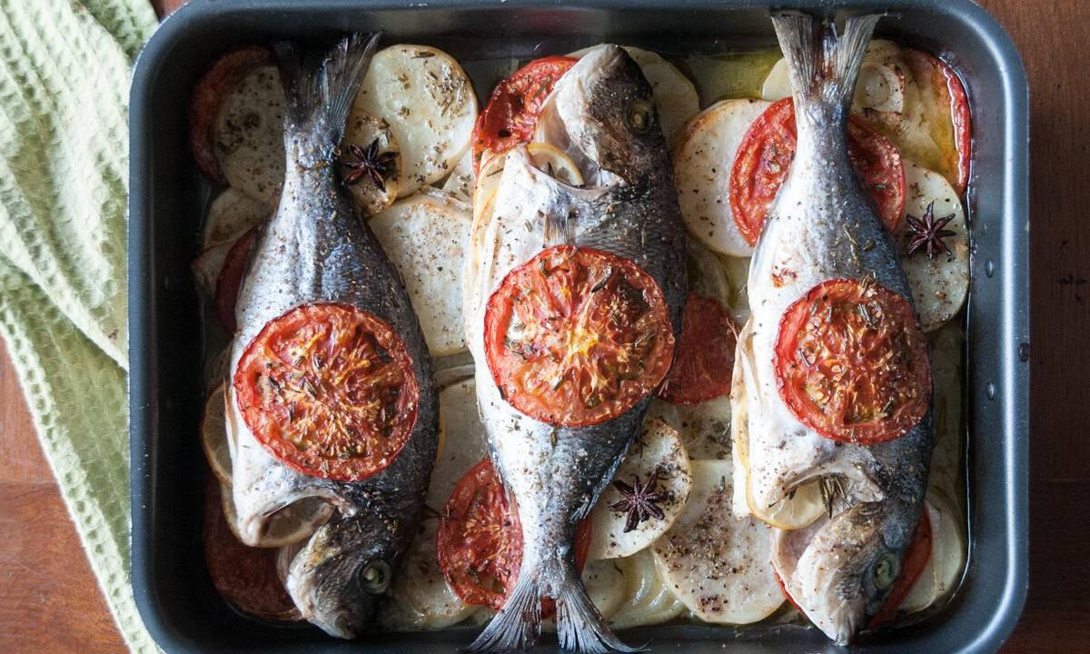 Τσιπούρα πλακί στον φούρνο με λαχανικά - Υγιεινό φαγητό για όλους