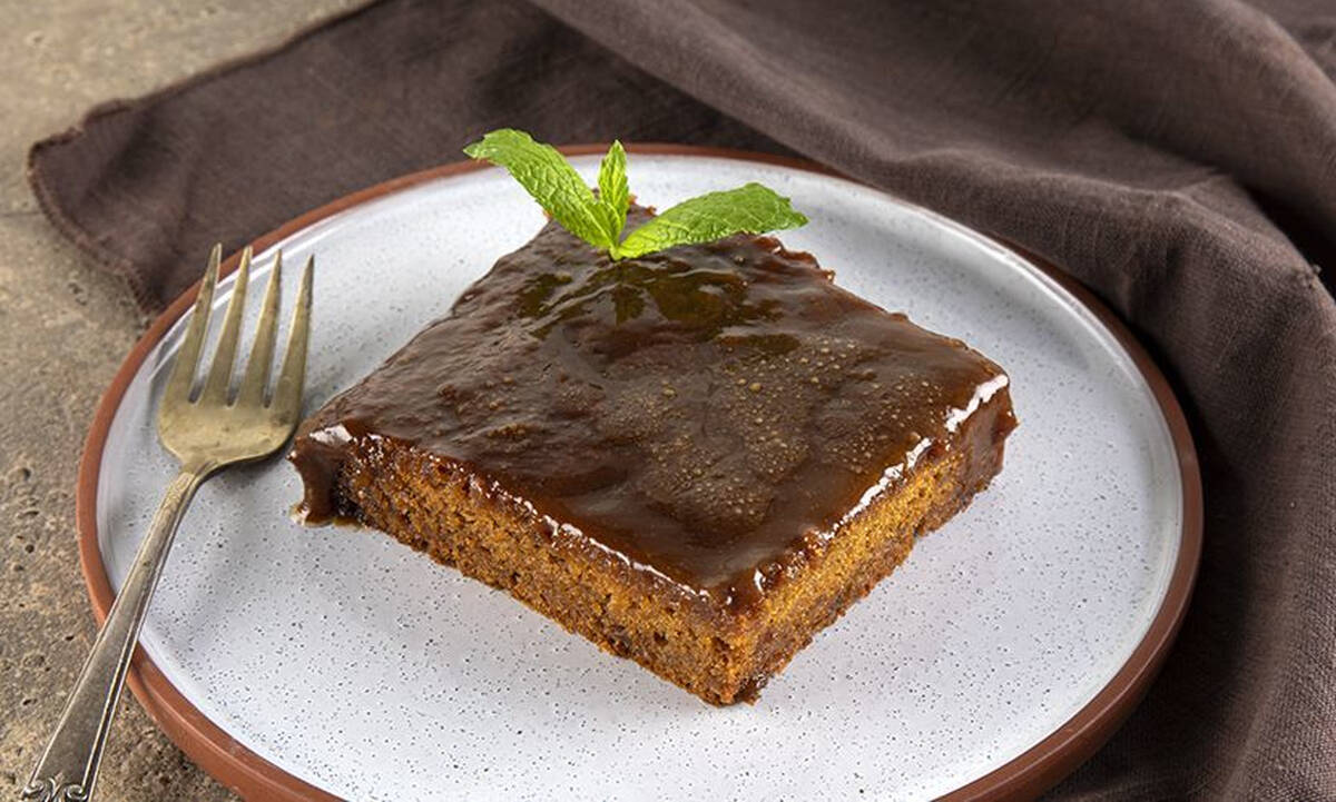 Ραβανί με καραμέλα: Το παραδοσιακό γλυκό... αλλιώς