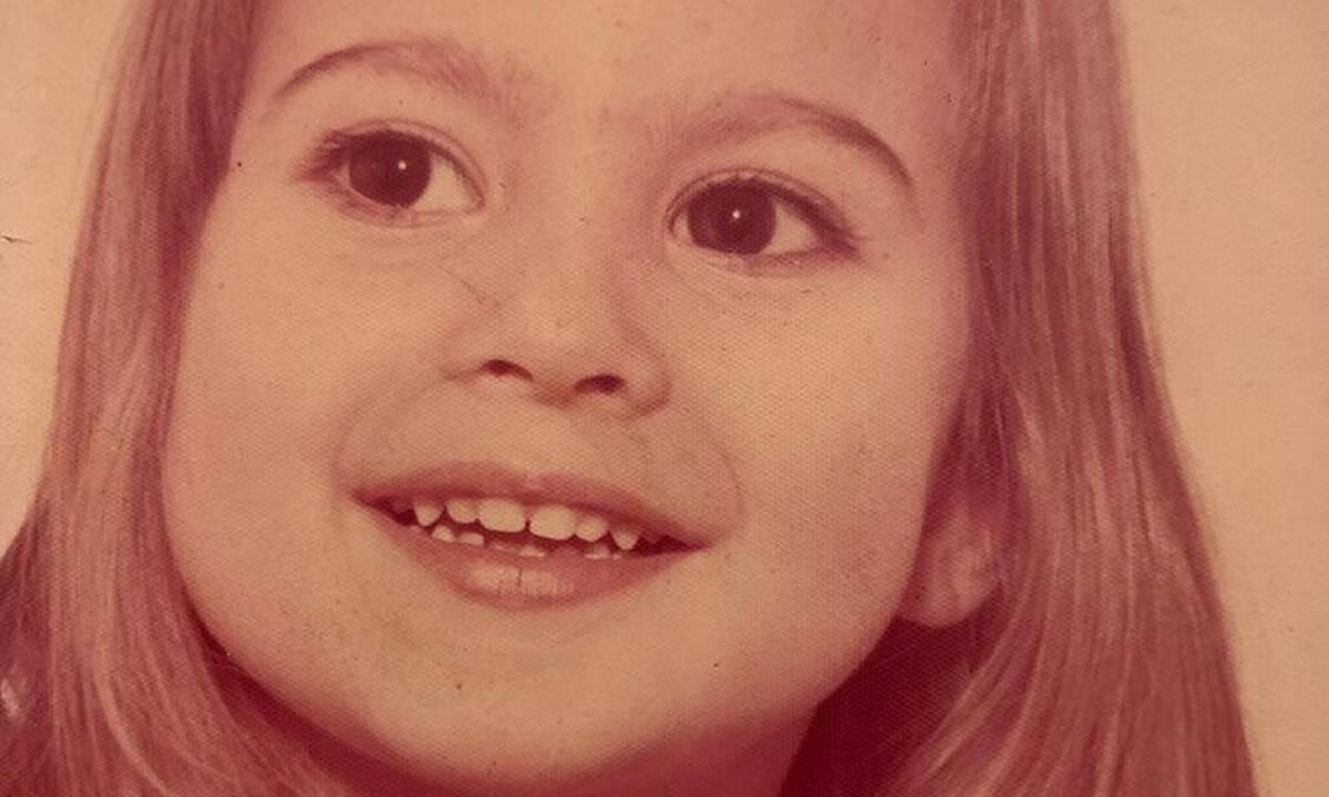 Γνωστή Ελληνίδα ηθοποιός το χαριτωμένο κοριτσάκι της φωτογραφίας