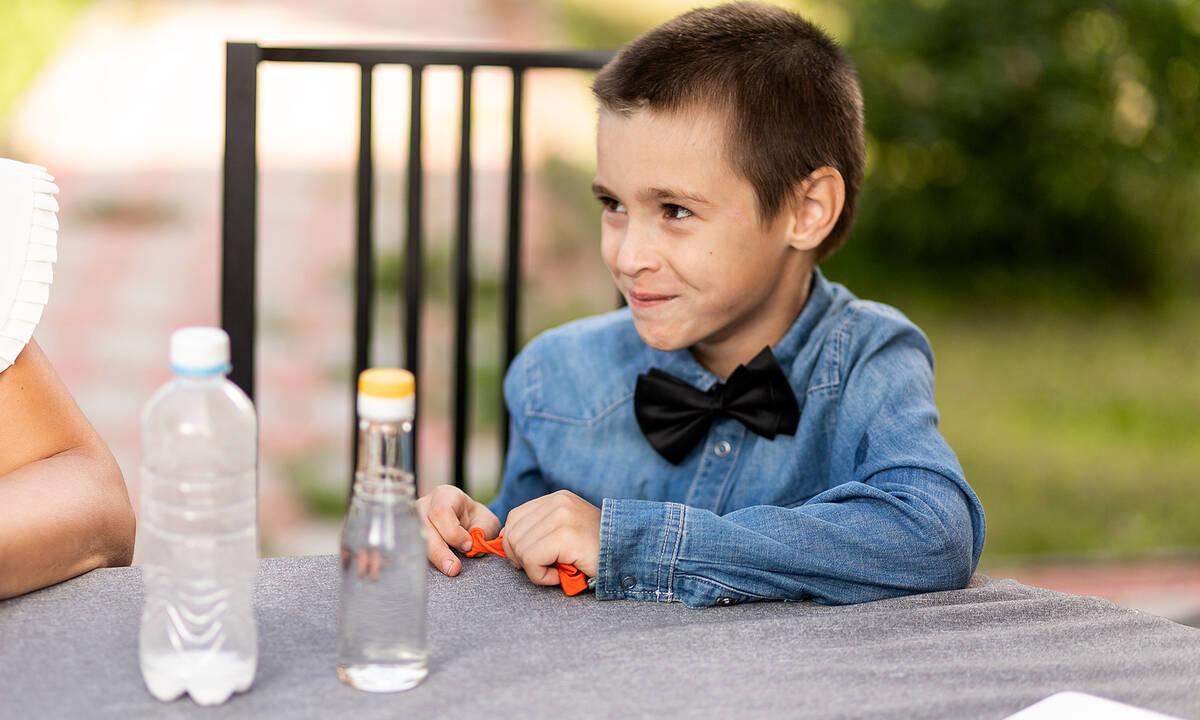 Πειράματα για παιδιά: Δείτε τι μπορείτε να φτιάξετε ανακατεύοντας γάλα με ξύδι