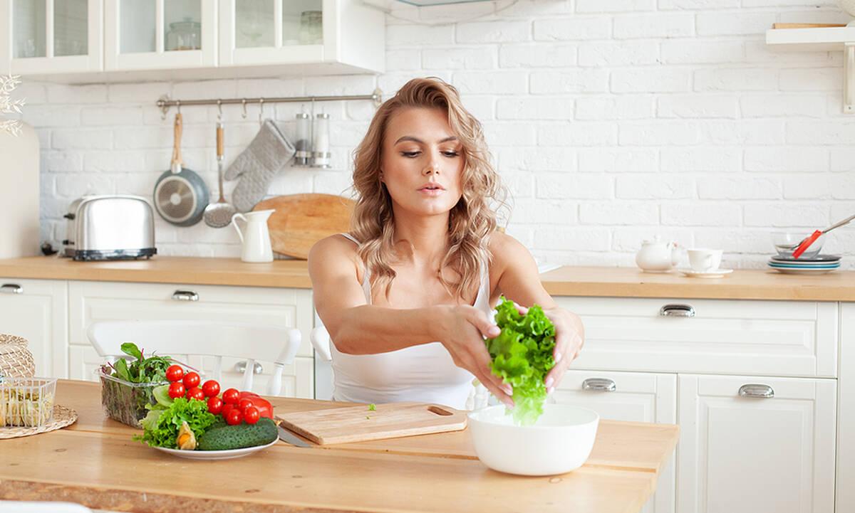 Πέντε tips για την επαναφορά στην ισορροπημένη διατροφή μετά τις καλοκαιρινές διακοπές