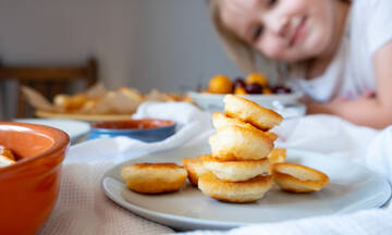 Πρωινό για παιδιά: Φτιάξτε σούπερ θρεπτικά pancakes με δύο υλικά
