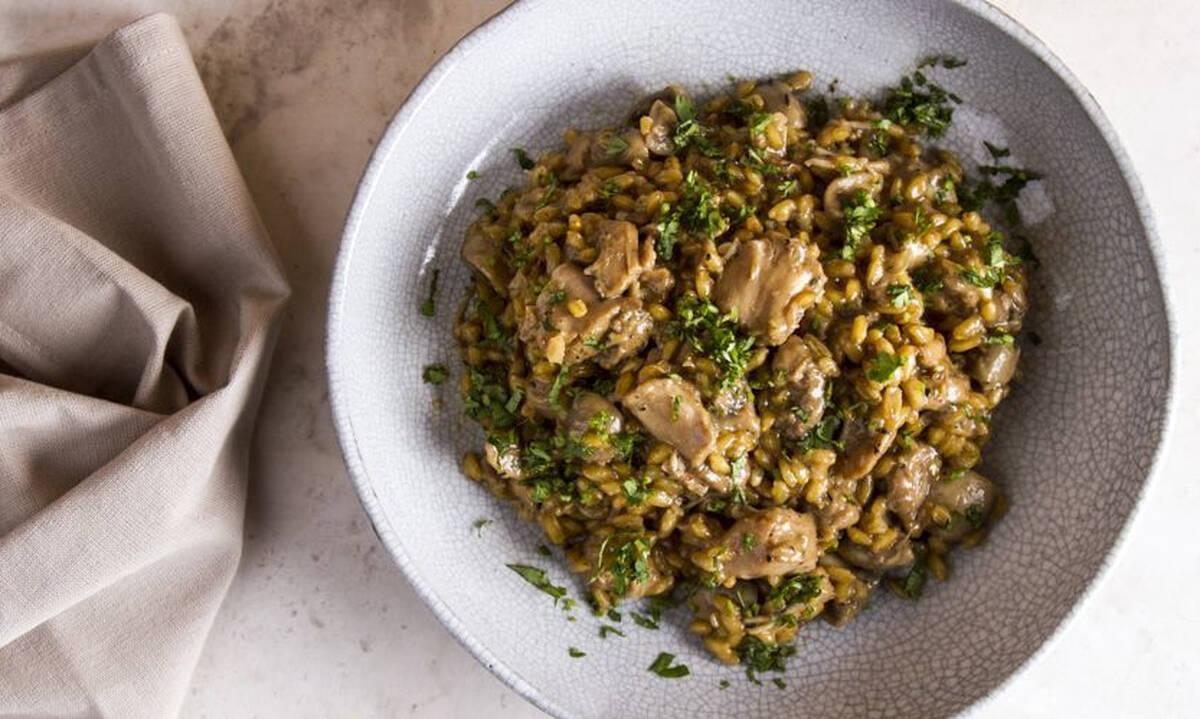 Σταρότο με κοτόπουλο και μανιτάρια από τον Άκη Πετρετζίκη