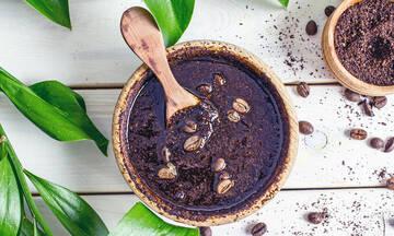 Tips για μαμάδες: Συνταγές ομορφιάς με καφέ για το πρόσωπο και το σώμα