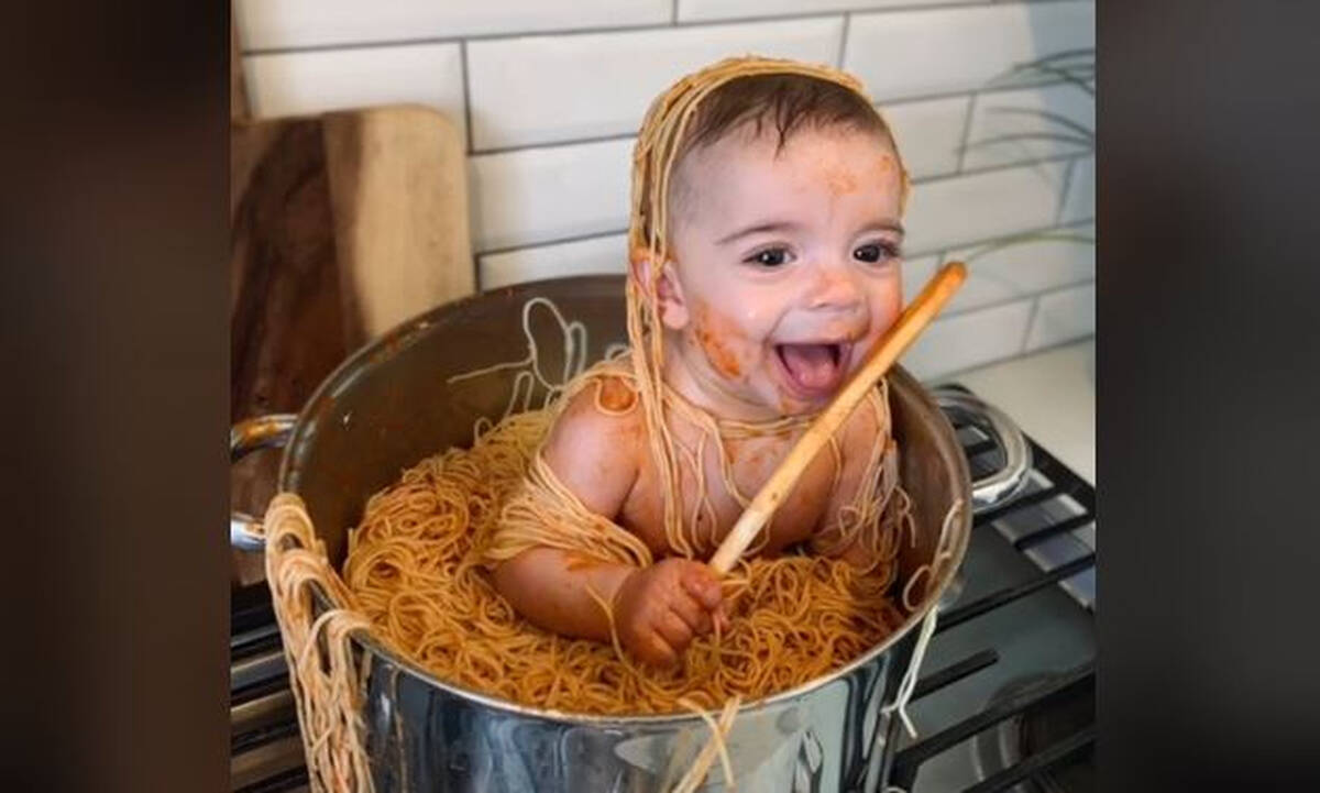 Μωρό μπήκε σε κατσαρόλα με μακαρόνια – Το βίντεο που έγινε viral στο TikTok