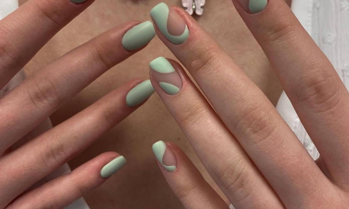 Αυτό είναι το huge color trend στα νύχια το φθινόπωρο