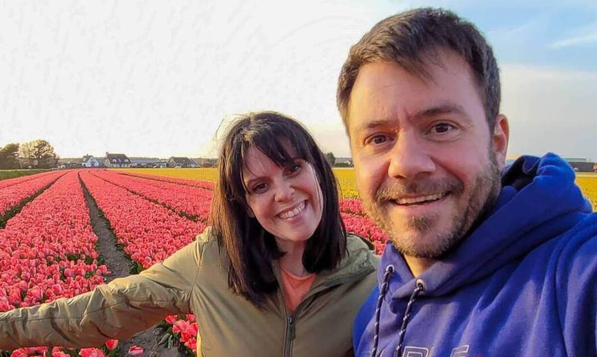 Ευτύχης Μπλέτσας: Απίθανη η νέα φωτογραφία με τη σύζυγο και τις κόρες του