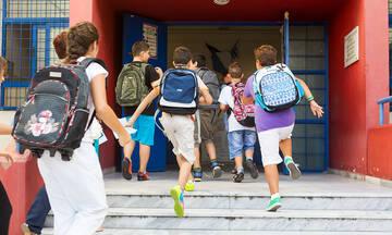 Άνοιγμα σχολείων: Τι ώρα και πώς θα γίνει ο αγιασμός