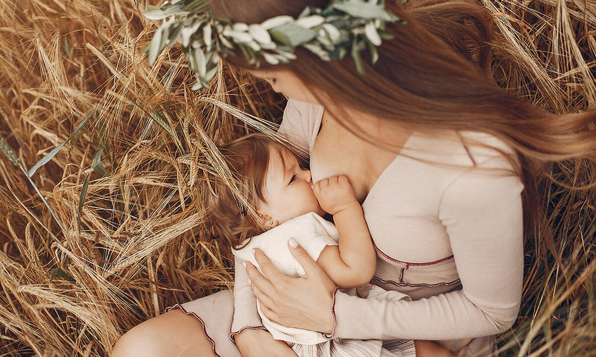 Ο θηλασμός ενισχύει την ανάπτυξη του εγκεφάλου στα νεογέννητα