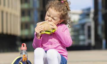 Τα σχολεία άρχισαν! Πέντε υγιεινές και εύκολες συνταγές για σνακ των παιδιών