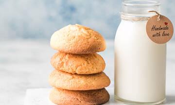 Σνακ για παιδιά: Εύκολα μπισκότα με μόλις τρία υλικά