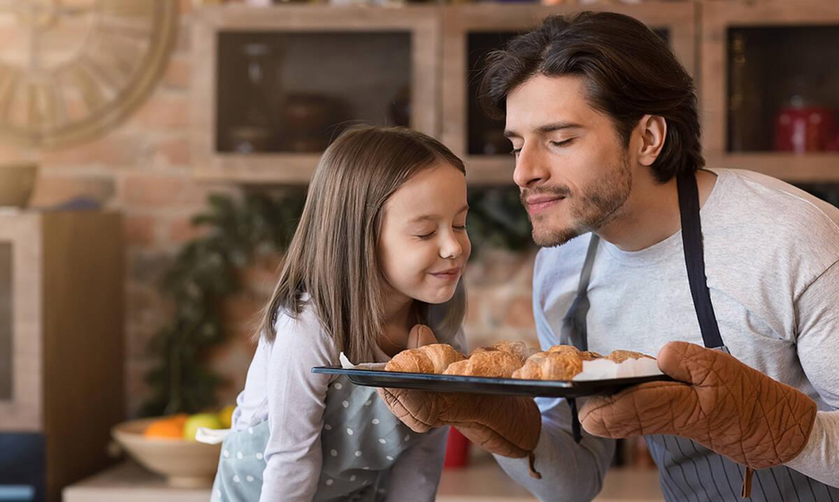 Σνακ για παιδιά: Φτιάξτε εύκολα και αφράτα σπιτικά κρουασάν βουτύρου