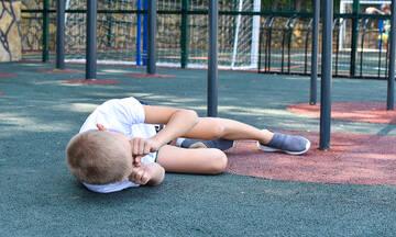 Πώς θα καταλάβω αν το παιδί έχει στραμπούληγμα στον αστράγαλο κι όχι κάταγμα;