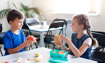 Ταπεράκι με κολατσιό: 3 tips για να το φέρνει πάντα άδειο από το σχολείο
