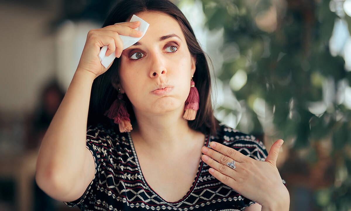 Εξάψεις στην εμμηνόπαυση: Πότε ξεκινούν και πόσο διάστημα διαρκούν;