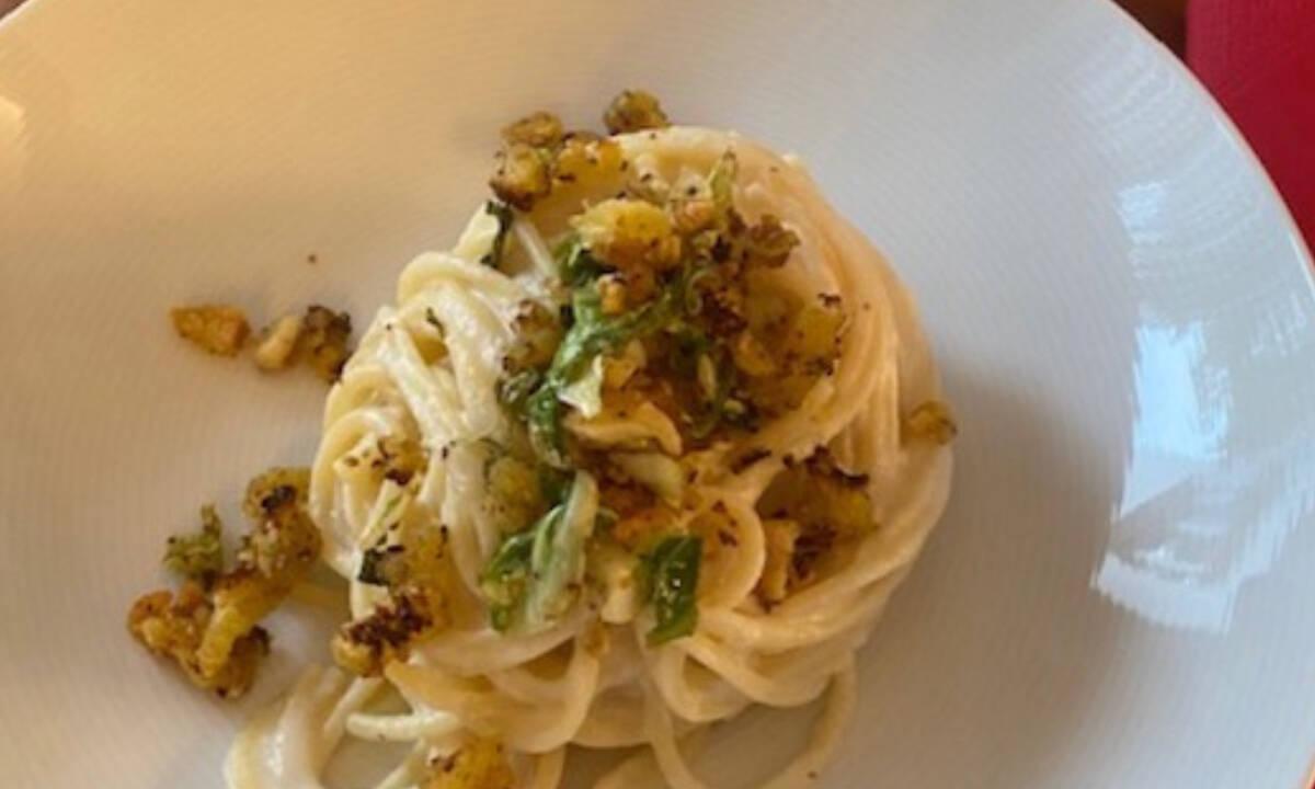 Μαγική συνταγή για pasta με κρέμα από κουνουπίδι και τυρί (Γράφει η Majenco)