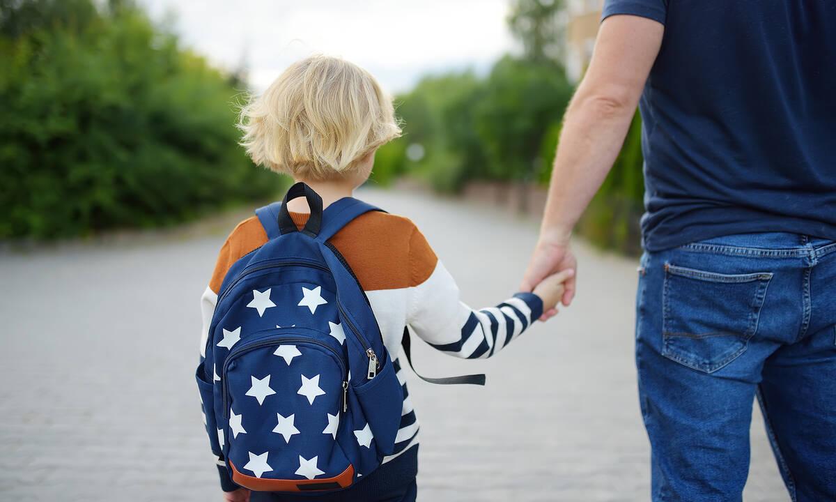 Tips για μαμάδες: Πώς θα απολυμάνετε την τσάντα του παιδιού μετά το σχολείο