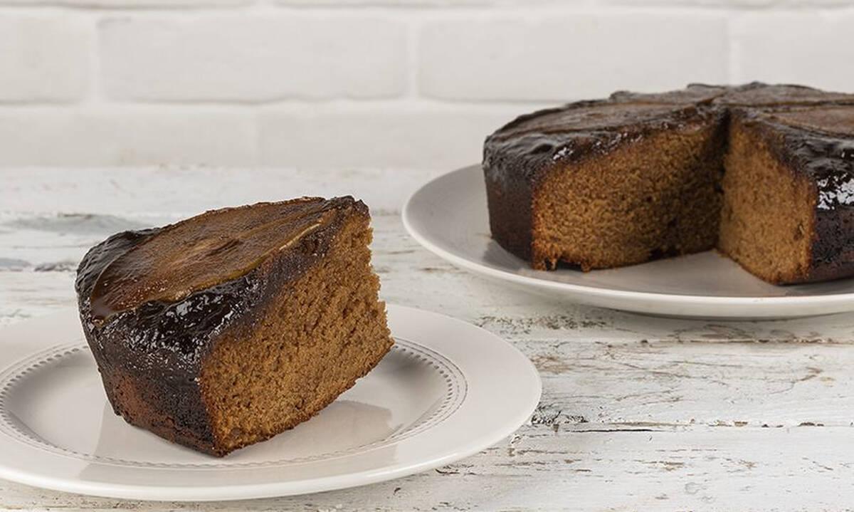Η συνταγή για το ανάποδο κέικ αχλάδι του Άκη