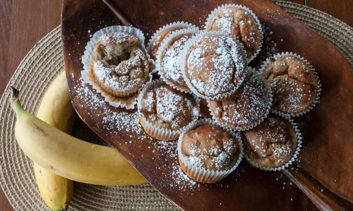 Συνταγές για παιδιά: Cupcakes με μπανάνα και σοκολάτα