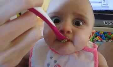 Μωράκι δοκιμάζει για πρώτη φορά αβοκάντο - Η αντίδρασή του μοναδική