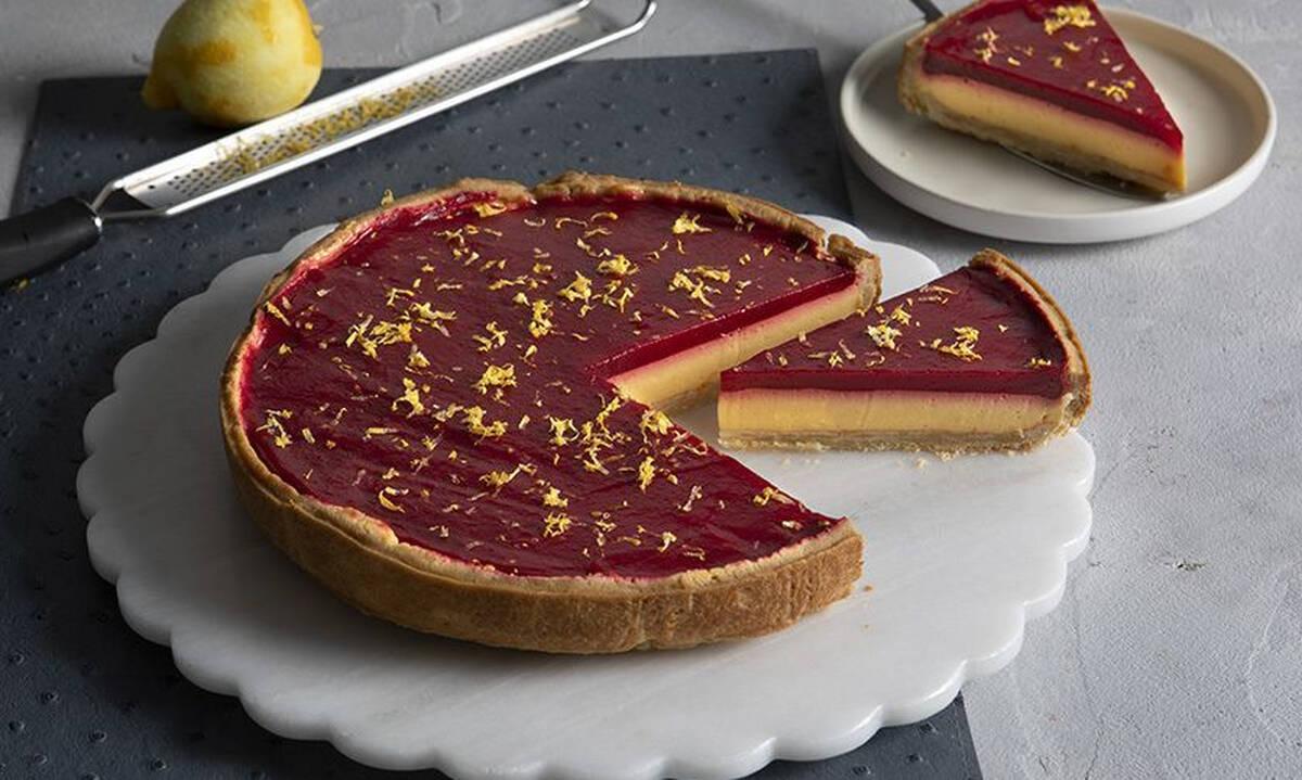 Τάρτα με λεμόνι και raspberries από τον Άκη Πετρετζίκη